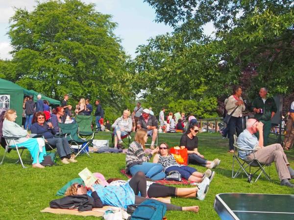 Picnic crowds enjoy the sun